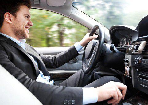 Правильная посадка в автомобиле